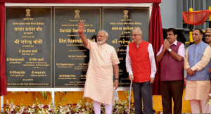 PM Modi dedicates Sardar Sarovar Dam to the nation